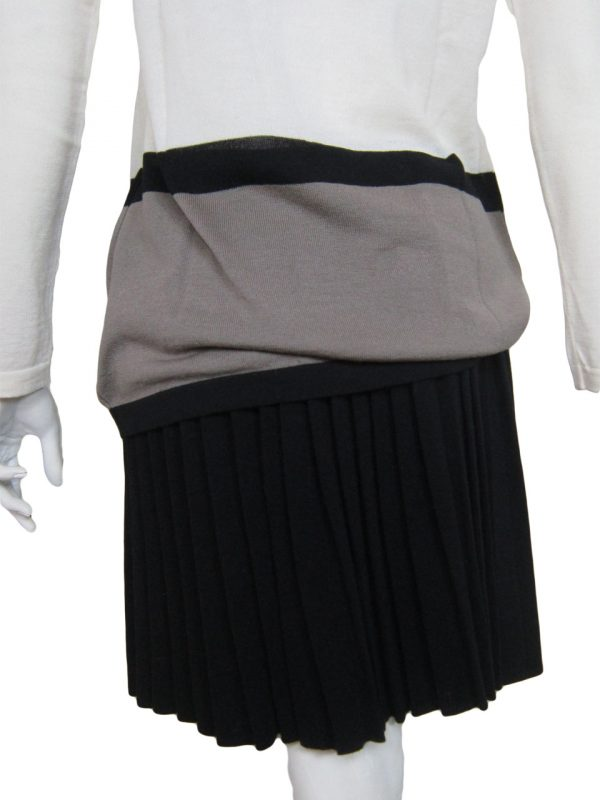 Pleated Skirt in United Knit Point - Back Side